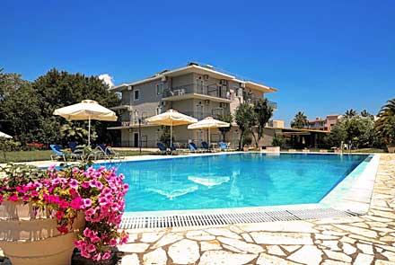 Lola Apartments, Dassia