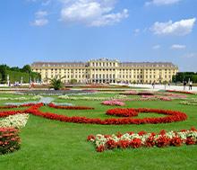 Wien, Lento+hotelli