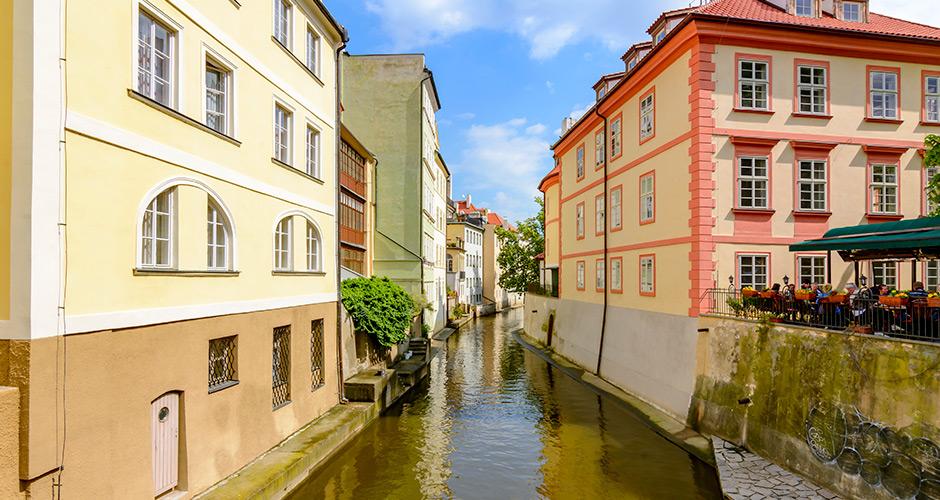 Praha, Lento+hotelli 1