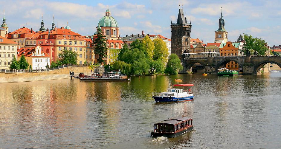 Praha, Lento+hotelli 13