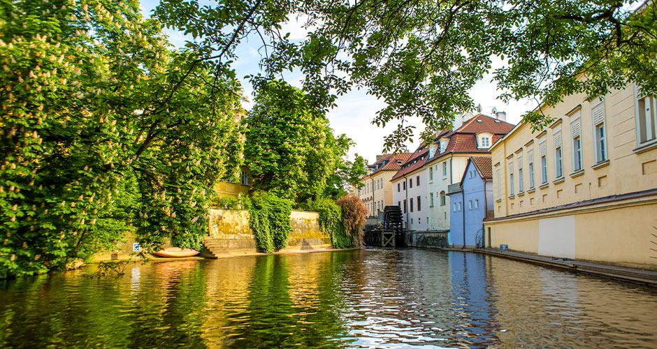Praha, Lento+hotelli 16