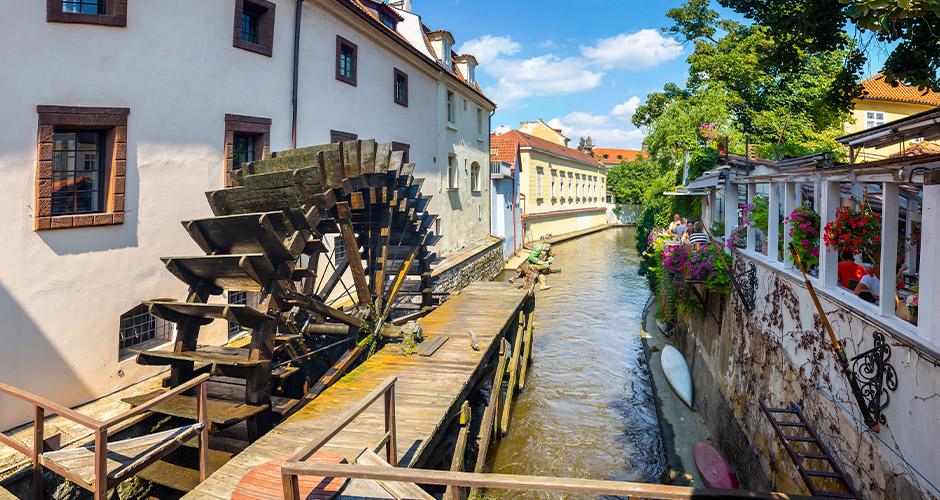 Praha, Lento+hotelli 17
