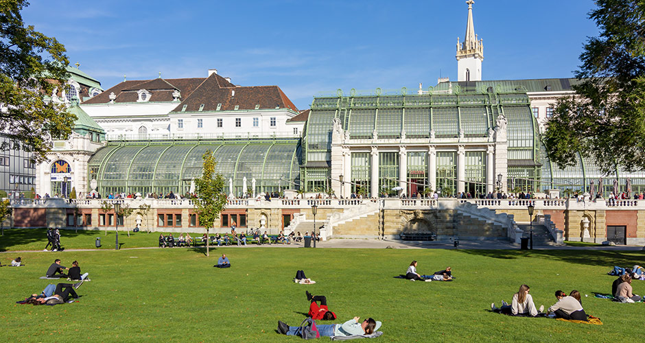 Wien, Lento+hotelli 14